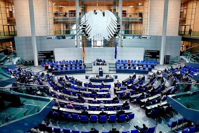 Schäuble erlässt Maskenpflicht im Bundestag
