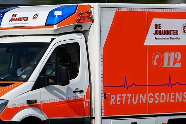 Traktorfahrer nach Absturz im Wald schwer verletzt