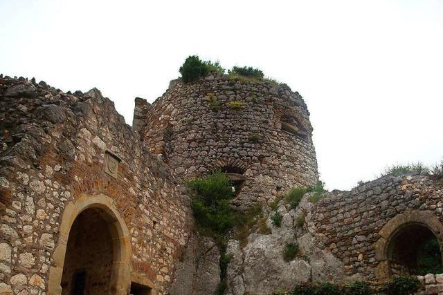 Unterwegs im Basler Grenzland zur Burg Landskron und zur Abtei Mariastein