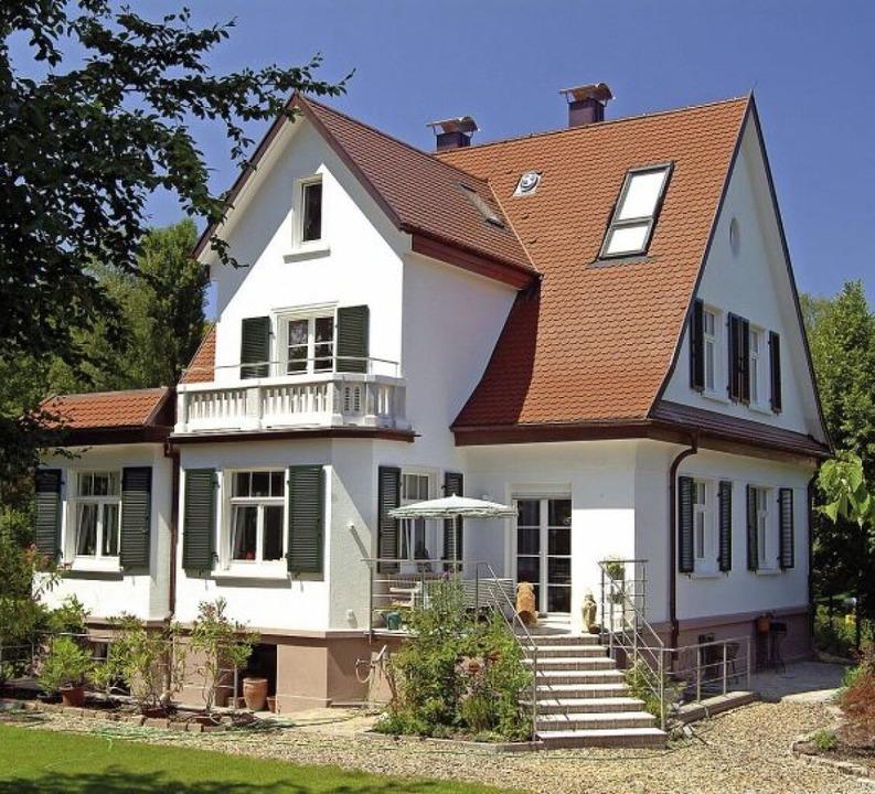Ob Fenster aus Holz, Metall oder wie h...das Heim individuell gestaltet werden.    Foto: Hilzinger Fenster (VFF)