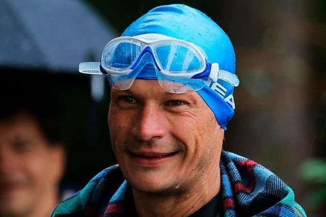 Gundelfinger André Grabs taucht Weltrekord bei strömendem Regen