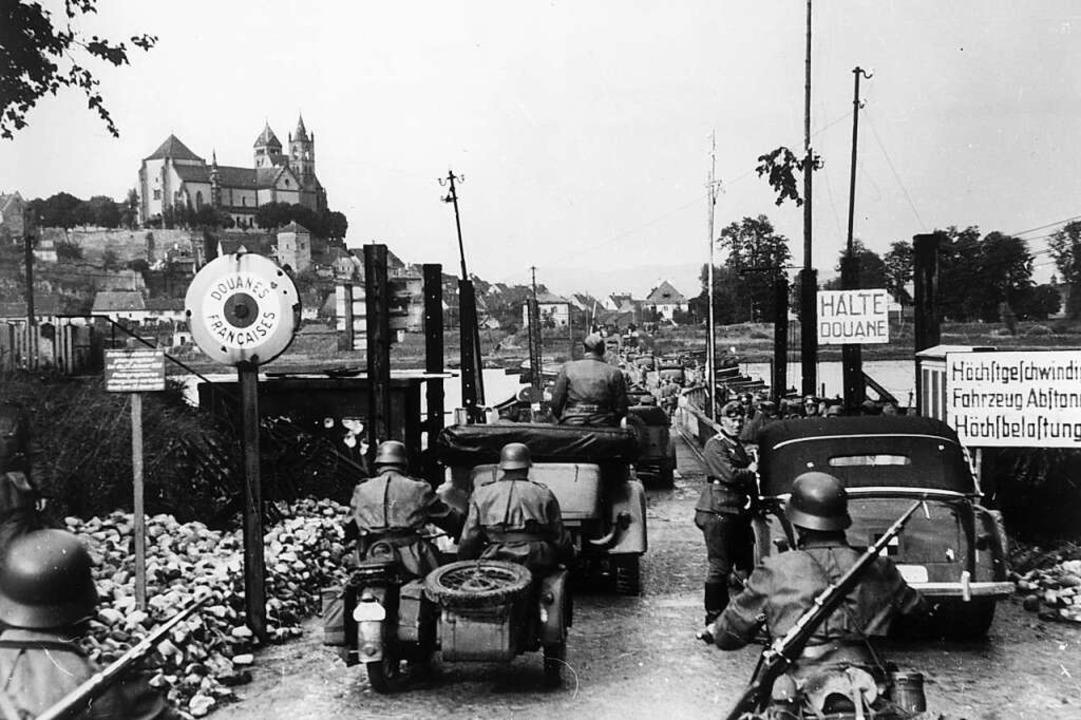 Am 30. Juni 1940 kehrte Hitler aus dem...tonbrücke über den Rhein bei Breisach.  | Foto: akg