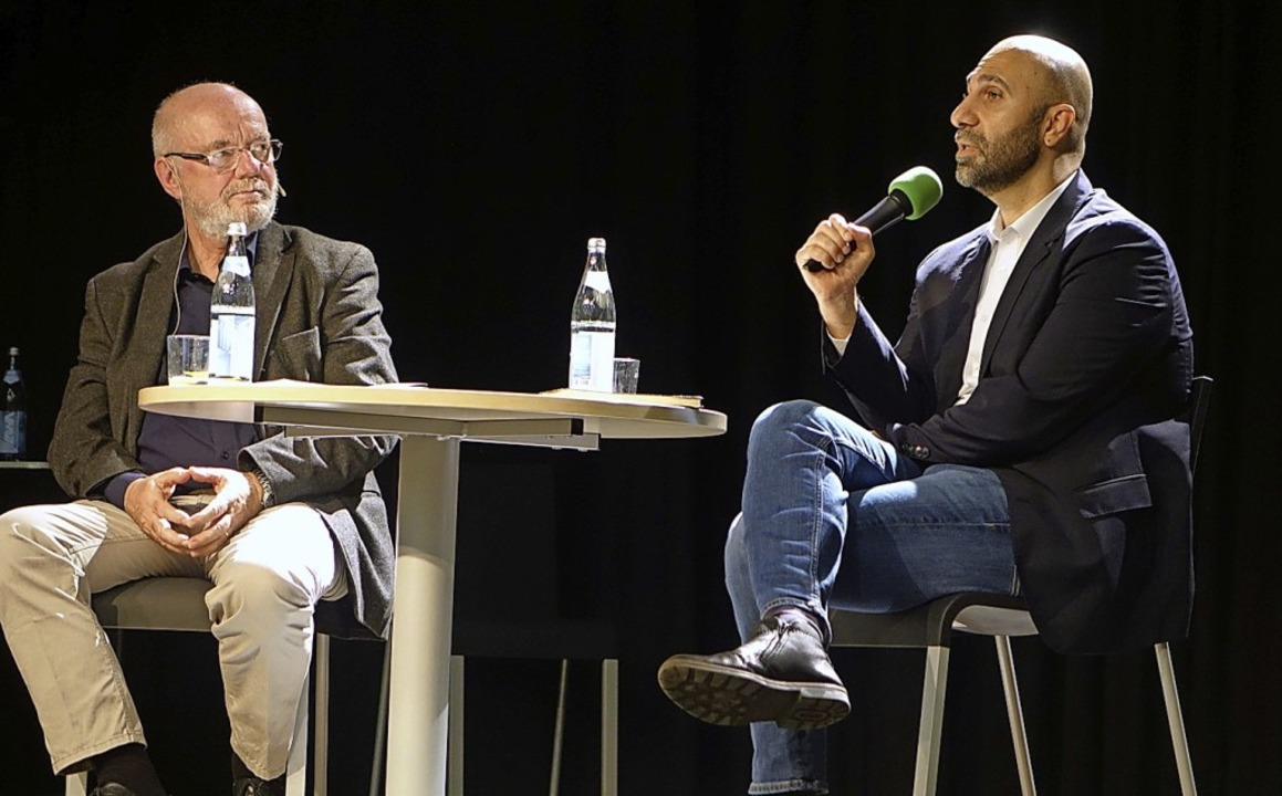 Der Autor und Psychologe Ahmad Mansour...io Paßlick über das Thema Integration.  | Foto: Roswitha Frey