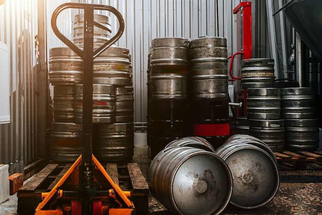 Bei den Brauereien stapeln sich die vollen Fässer.  | Foto: VIT LEO