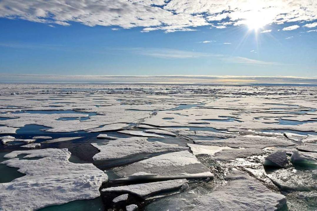 Auf dem Arktischen Ozean am Nordpol sc...schmilzt und der Meeresspiegel steigt.    Foto: Ulf Mauder (dpa)