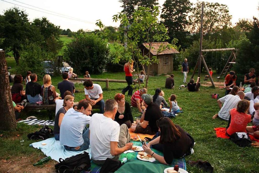 Im August heißt es mittwochs in Kerbers Straußi: (Selber) Grillen und Chillen.  | Foto: Eva Kerber