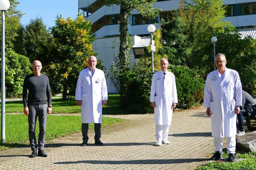 Stehen für den Standort (von links): G... Haag, Udo Schwehr und Albrecht Kühnle  | Foto: Verena Pichler