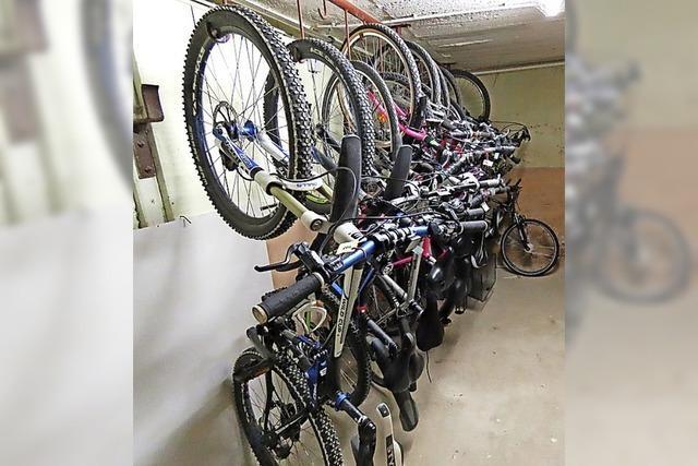 Gold und 17 Fahrräder kommen unter den Hammer