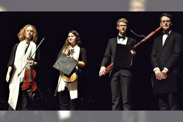 Jungmusiker auf der Burghof-Bühne