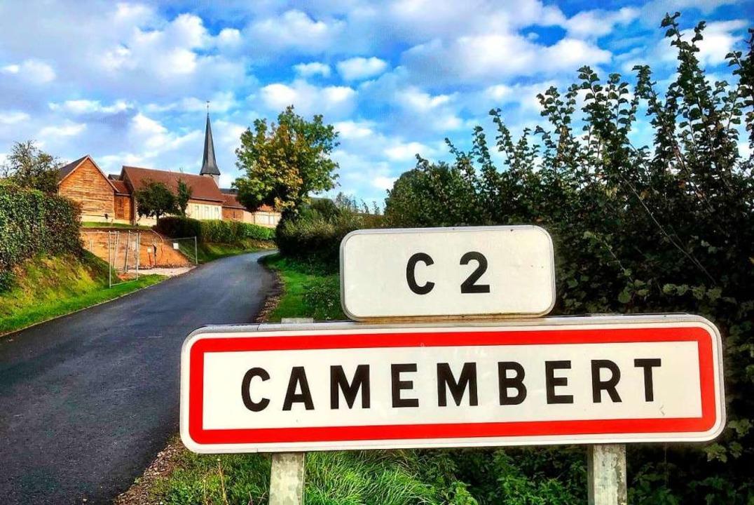 Der Ortseingang des Dorfes Camembert  | Foto: Knut Krohn