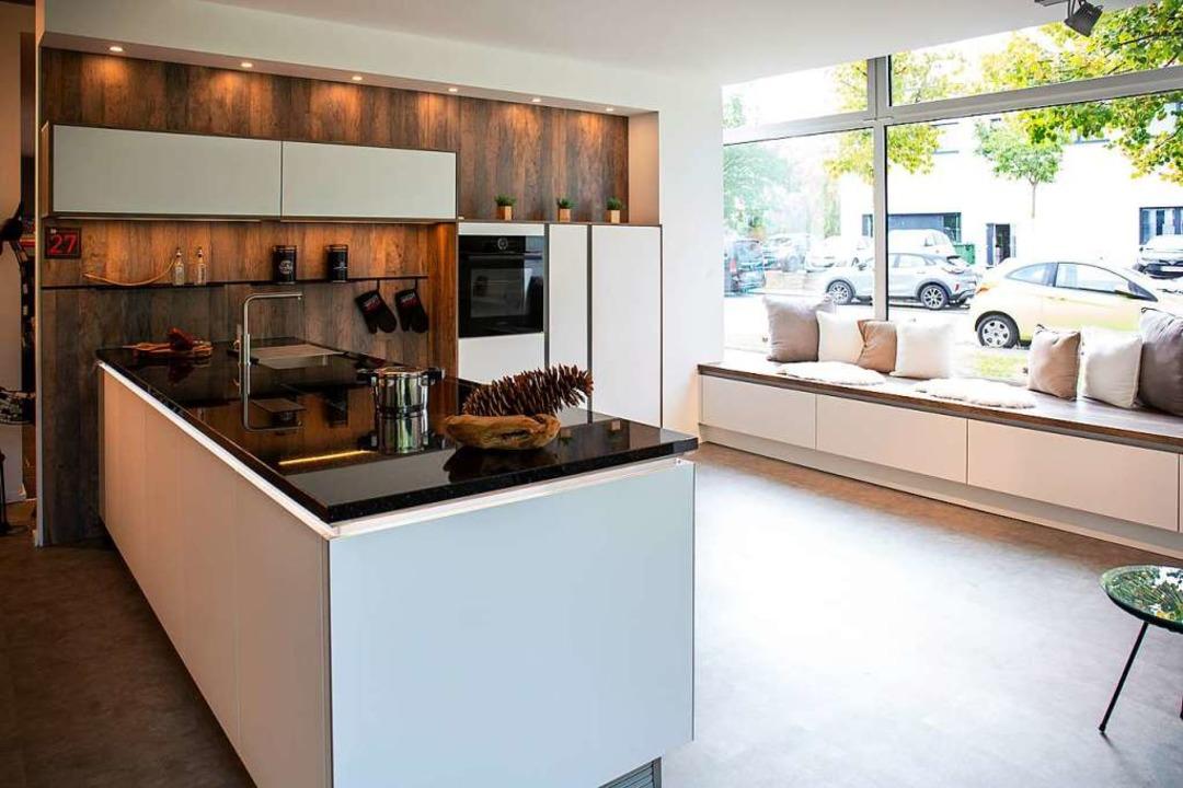 Helle Farben, klare Formen und gut dur..., die Küche zum Wohlfühlort zu machen.  | Foto: Fischer Küchen