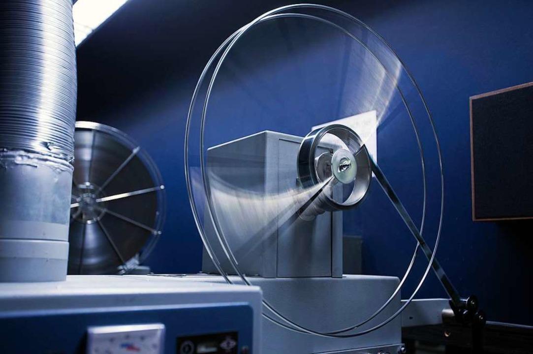 Hier wird noch nicht digital gearbeite...-Millimeter-Kinoprojektor (Symbolbild)    Foto: Jens Büttner