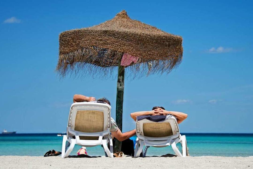 Bei einer Pauschalreise buchen Urlaube...und Hotel bei einem Reiseveranstalter.  | Foto: Julian Stratenschulte