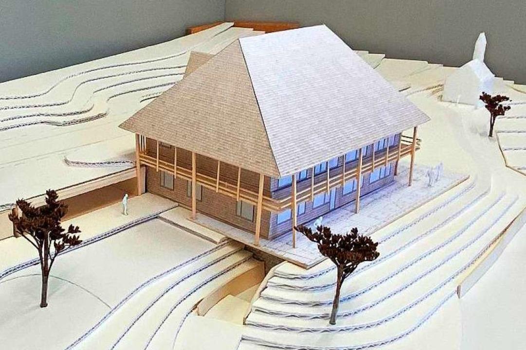 So soll das neue Gasthaus Gießhübel  aussehen, im Hintergrund die Kapelle  | Foto: Gemeinde Münstertal