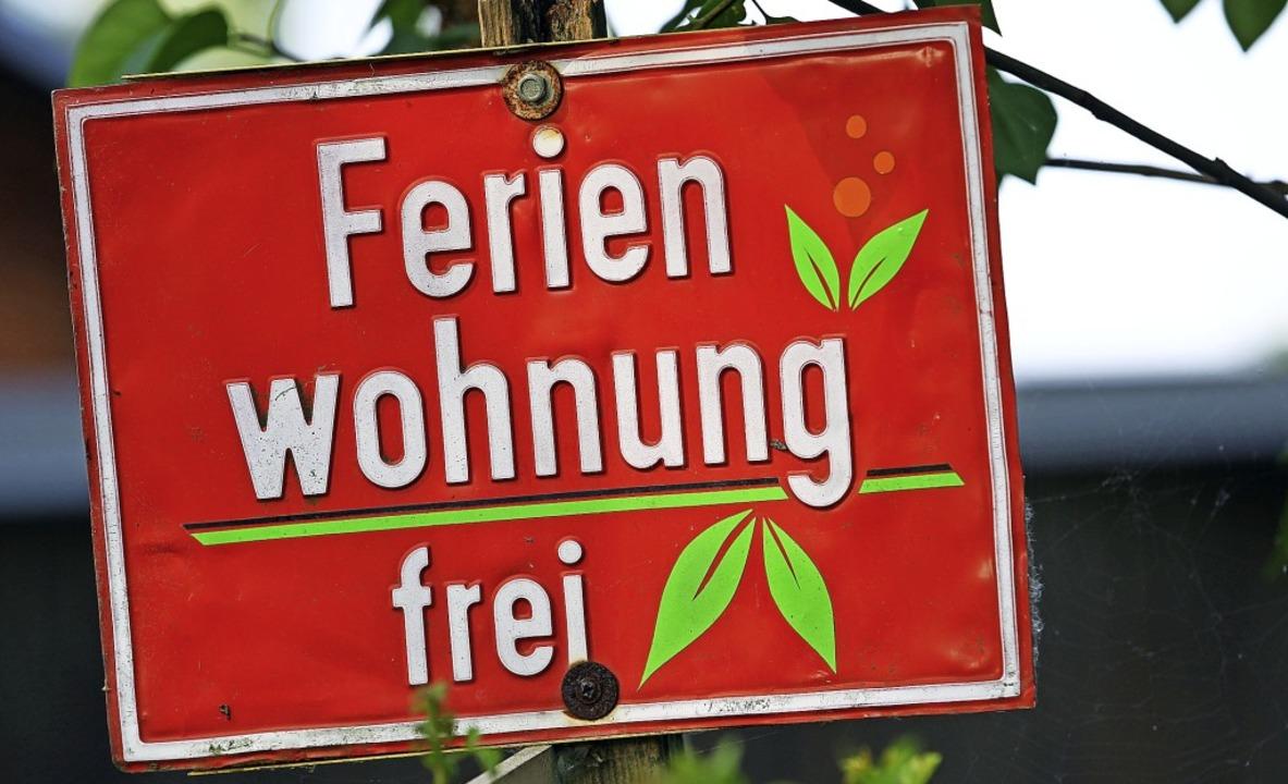 Zweieinhalb Monate lang mussten Ferien... Einnahmen  und  den Kommunen Kurtaxe.  | Foto: Jens Büttner (dpa)