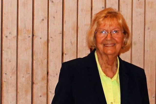 Edith Popp aus Schwörstadt wird mit der Landesehrennadel ausgezeichnet