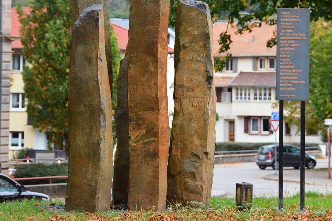 Das Mahnmal für die in Litauen während...NS-Zeit Ermordeten auf dem Kirchplatz.  | Foto: Felix Lieschke