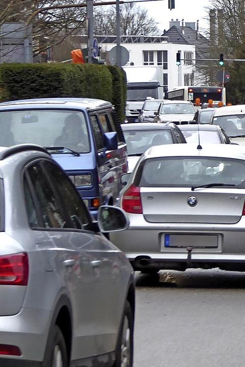 Bei Baustellen soll der Verkehr stauvermeidend besser verteilt werden.  | Foto: Helmut Seller