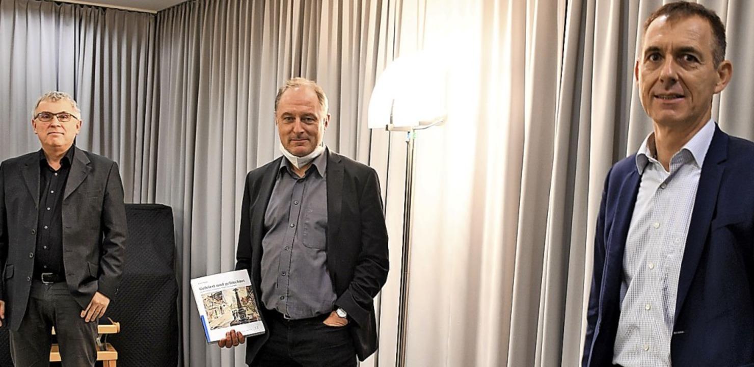 Vernissage und Buchvorstellung: Stadta...eisen und Oberbürgermeister Jörg Lutz   | Foto: Barbara Ruda