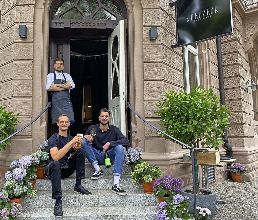 "Niklas Schaeffer (hinten), Henrik Ever...""Kreuzeck"" in der Wiehre.   | Foto: Anika Maldacker"