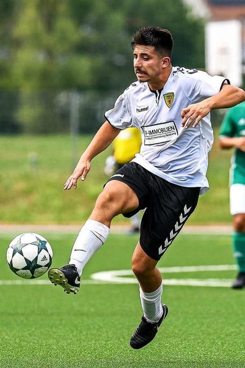 Mental auf der Höhe: Massimo De Franco brachte sich mit drei Toren ein.  | Foto: Gerd Gruendl