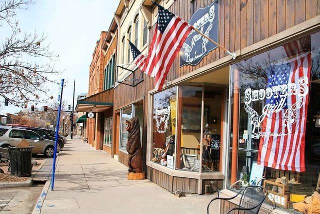 Wo die Kellner Waffen tragen: Ein Besuch in Rifle, Colorado