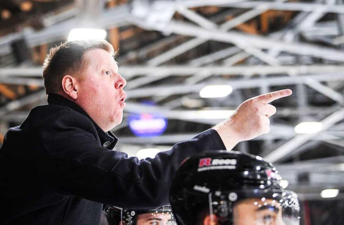 EHC-Coach Peter Russell kann mit dem Auftritt seines Teams zufrieden sein.  | Foto: Patrick Seeger