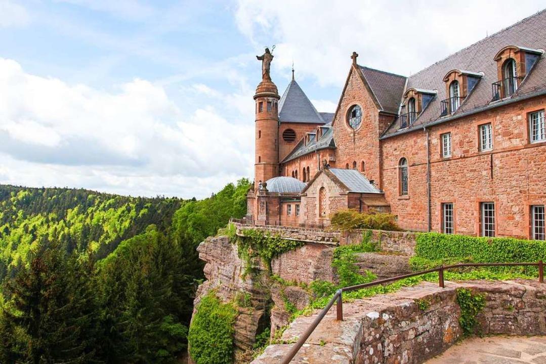 Imposant: das Kloster  Hohenburg auf dem Odilienberg    Foto: jorisvo – Fotolia