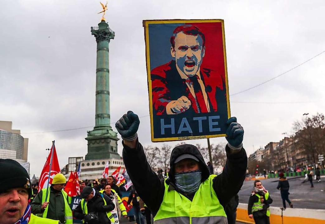 Proteste im Februar auf dem Place de la Bastille in Paris.    Foto: ZAKARIA ABDELKAFI