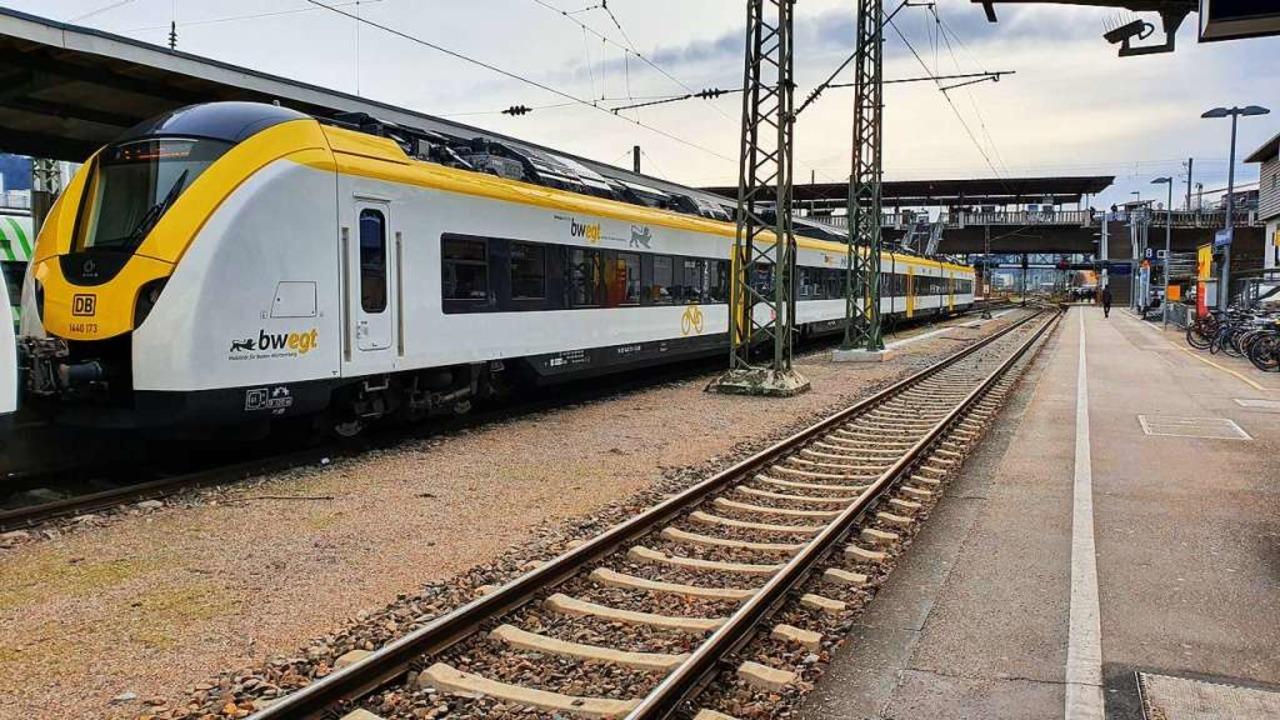 Breisgau-S-Bahn im Freiburger Hauptbah...eine Zug nach Breisach und zurück aus.  | Foto: Sebastian Wolfrum
