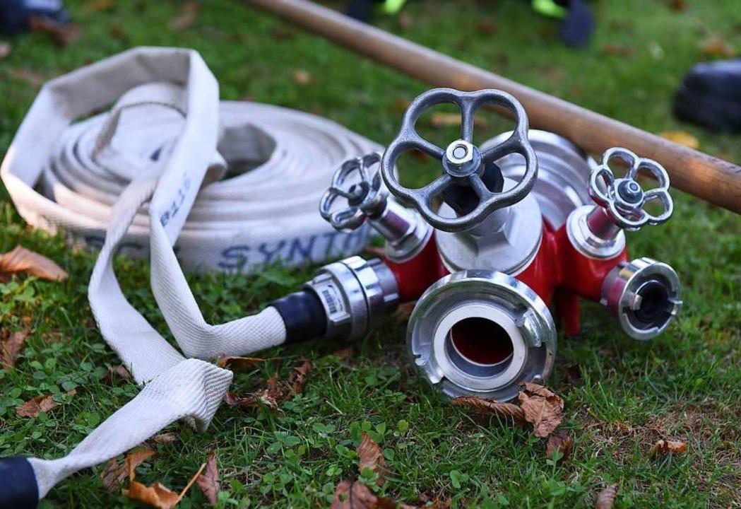 Die Pflege und Wartung der Feuerwehrsc...ner Werkstatt in Kirchzarten erfolgen.    Foto: Rita Eggstein