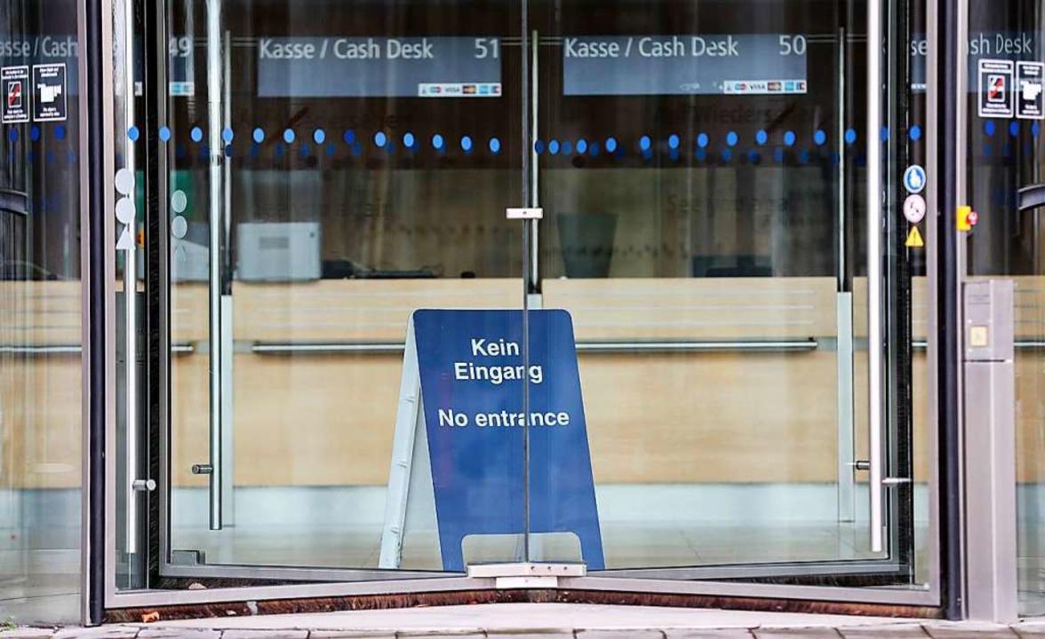 Das Publikum der Buchmesse in Frankfurt muss 2020 draußen bleiben.  | Foto: Jan Woitas (dpa)