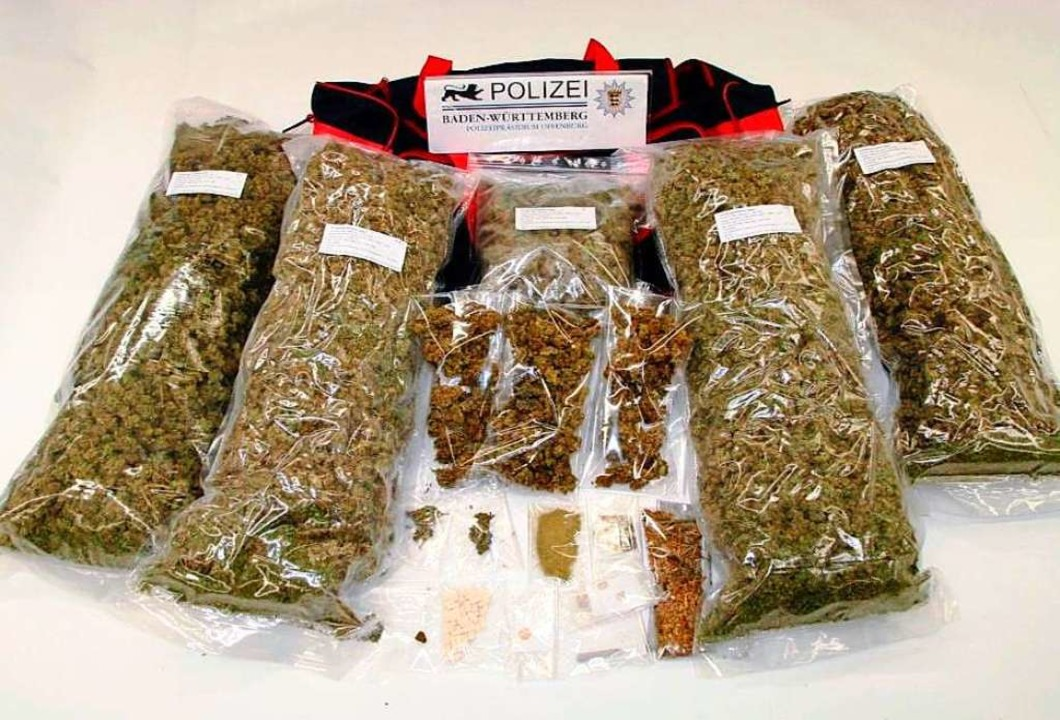 Der Handel mit rund 30 Kilo Marihuana ...s drei Jahre und zehn Monate Haft vor.  | Foto: Polizei