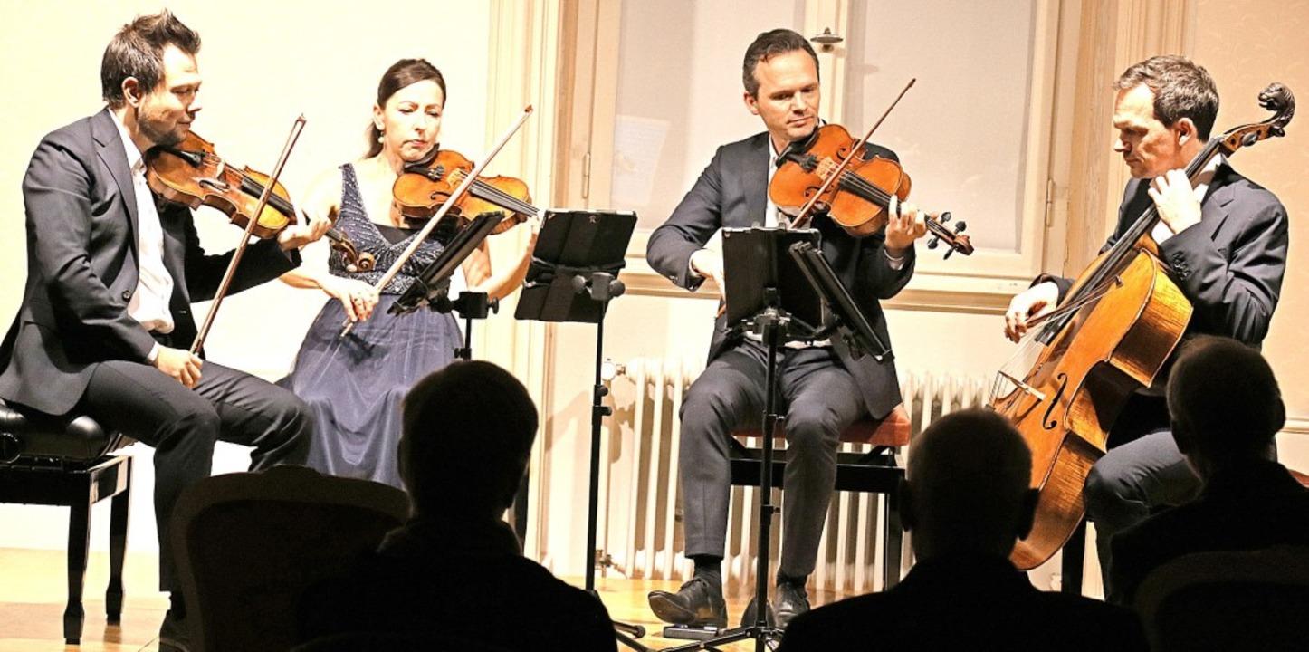 Das CasalQuartett (von links)  mit  Fe... beiden Konzerten hohe Bühnenpräsenz.   | Foto: Dorothée Kuhlmann