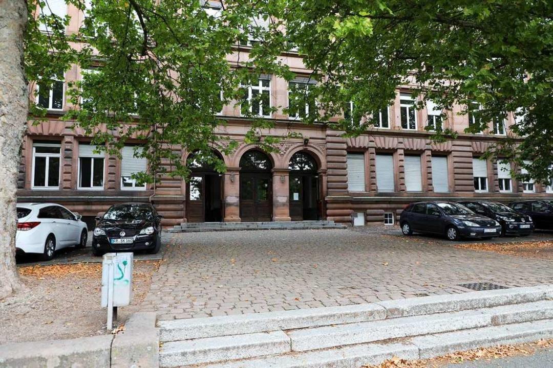 Auch die Friedrichschule ist betroffen.  | Foto: Christoph Breithaupt