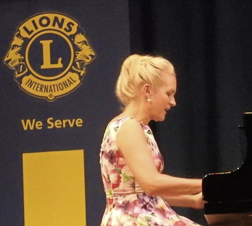Begeisterte beim Benefizkonzert der Lions: Aleksandra Mikulska.  | Foto: Bianca Flier