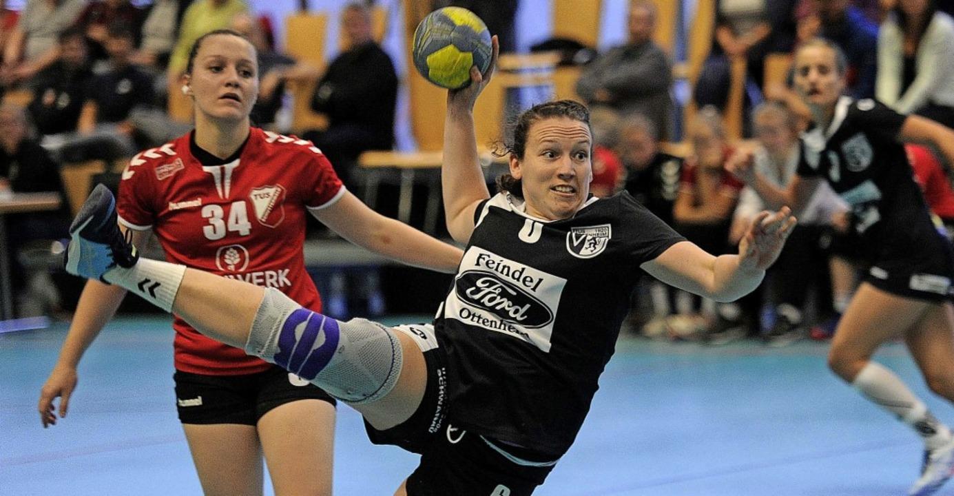 Elisabeth Günther und der TuS Ottenheim setzten sich am Ende 28.26 durch.   | Foto: Pressebüro Schaller