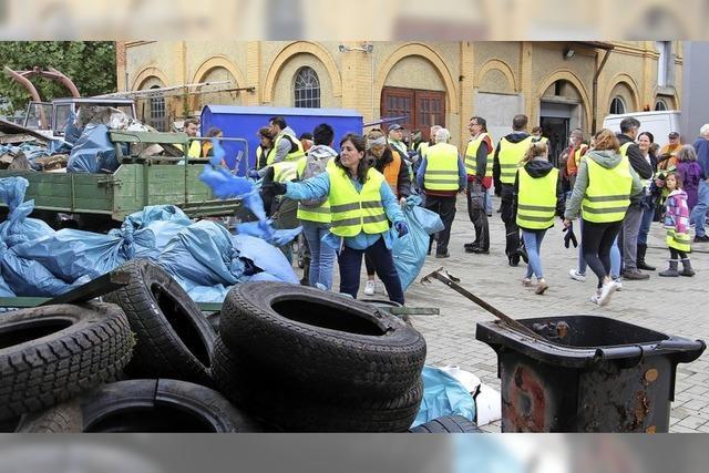 Helfer sammeln 20 Kubikmeter Müll
