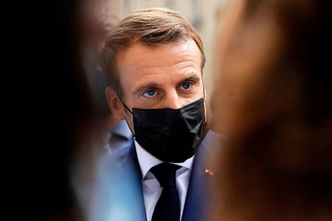 Frankreichs Präsident Emmanuel Macron ...der Treffen wischte er aber vom Tisch.  | Foto: LEWIS JOLY (AFP)