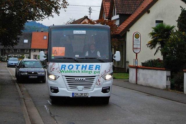 Auf Probefahrt mit dem neuen Bürgerbus von Waldkirch nach Siensbach