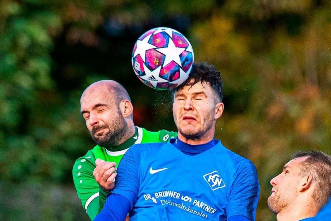 Augen zu und durch: Die Blauen des FC ...ederlage gegen Furtwangen verarbeiten.    Foto: Wolfgang Scheu