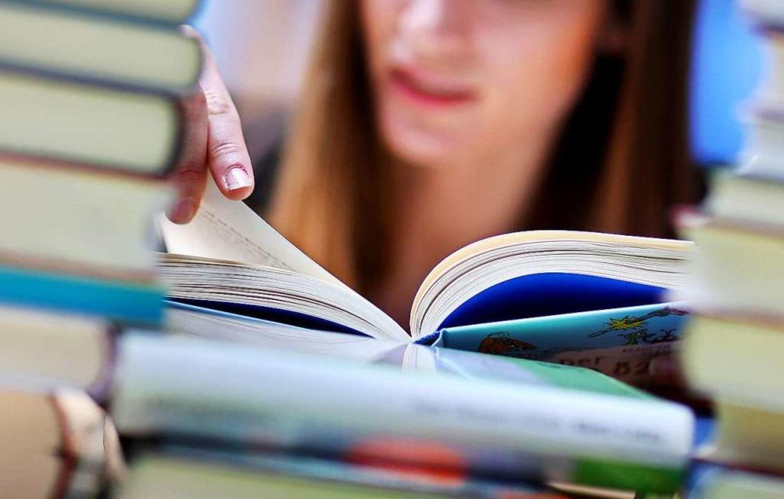 Bücher sind im Corona-Jahr die Krisengewinner  | Foto: Jan Woitas (dpa)