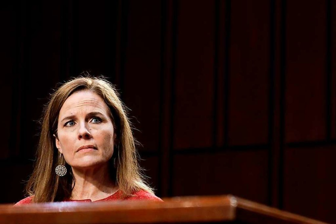 Amy Coney Barrett am Dienstag bei der Anhörung im Senat.  | Foto: SAMUEL CORUM (AFP)