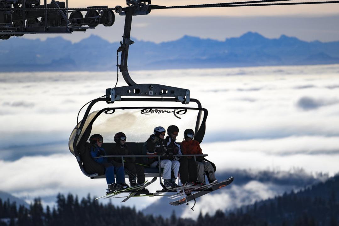 Der kommende Ski-Winter auf dem Feldbe...hts der Corona-Lage klar. (Archivbild)  | Foto: Patrick Seeger (dpa)