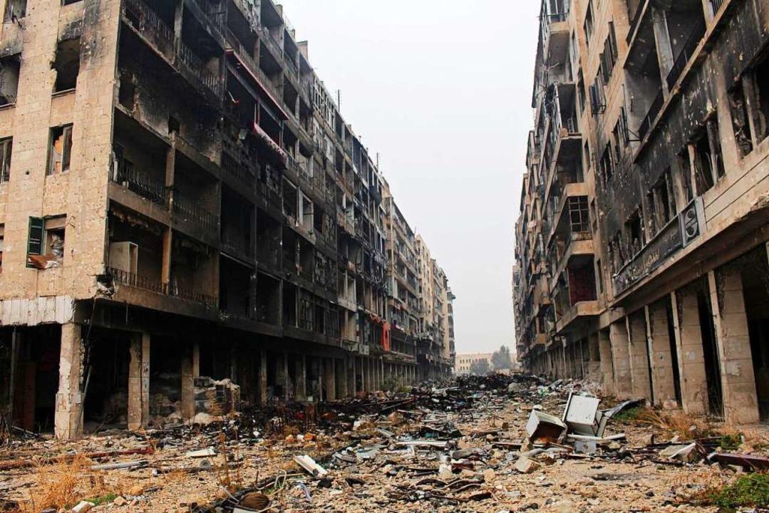 Viele syrische Städte liegen in Schutt...eine Aufnahme aus Aleppo im Jahr 2016.  | Foto: Stringer