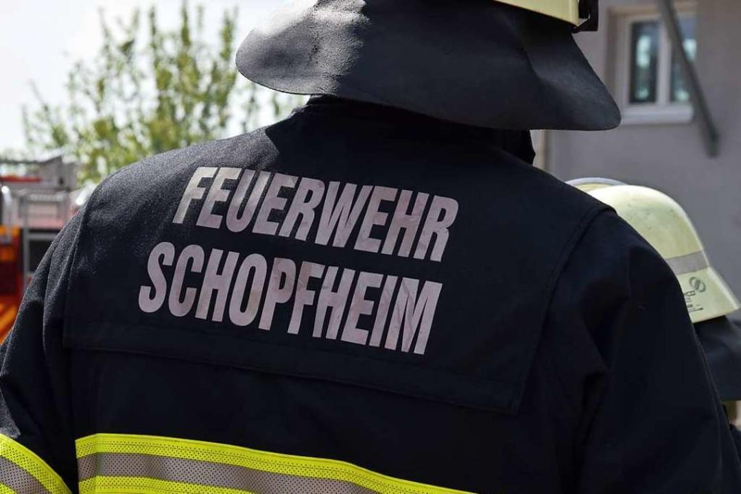 Die Feuerwehr Schopfheim war mit fünf ...nsatzkräften am Brandort (Symbolbild).  | Foto: Stefan Ammann