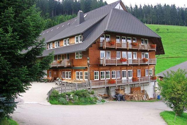 Im Gasthaus zum Strauß bei Siedelbach backt der Seniorwirt das Brot