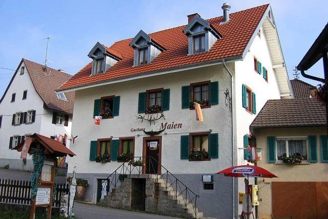 Eine uralte Burg und ein traditionsreiches Gasthaus in Vogelbach