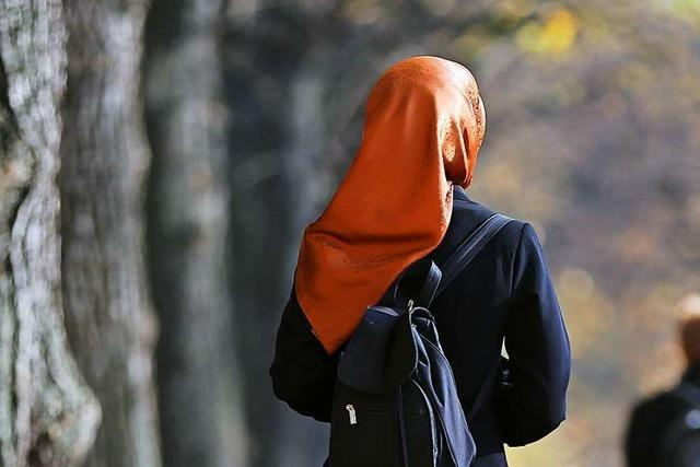Warum tragen muslimische Frauen ein Kopftuch?
