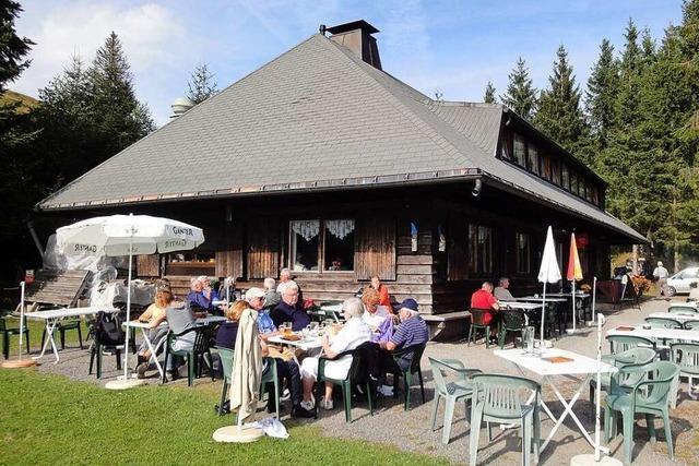 Almgasthaus Knöpflesbrunnen – Oase der Stille auf 1100 Metern